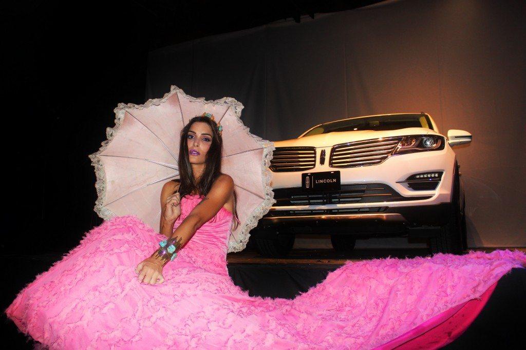 Autos y Moda