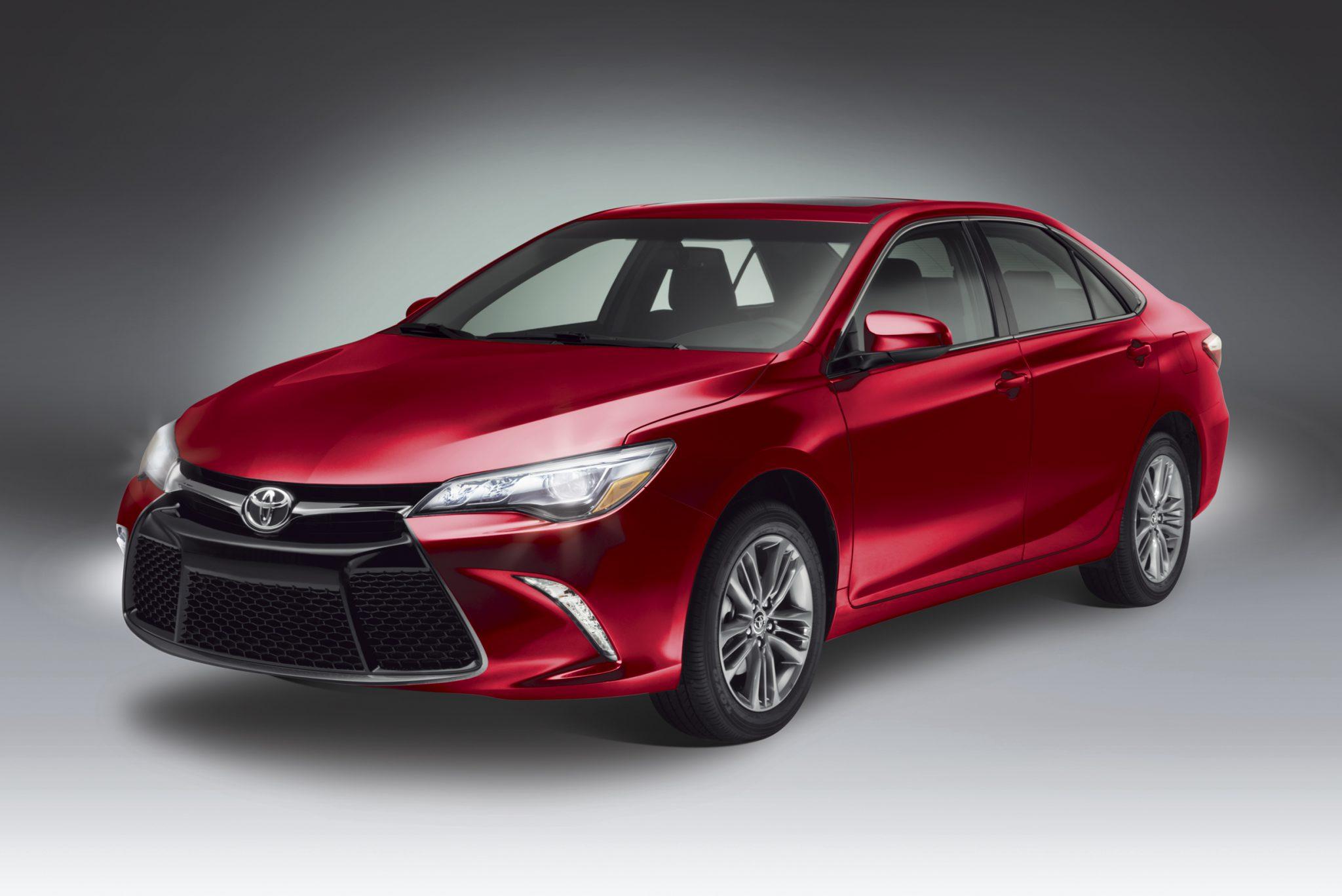 Noticias: Toyota Camry 2015 llega a México