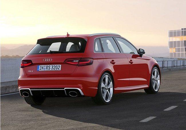 Audi-RS3_Sportback_2016_800x600_wallpaper_03