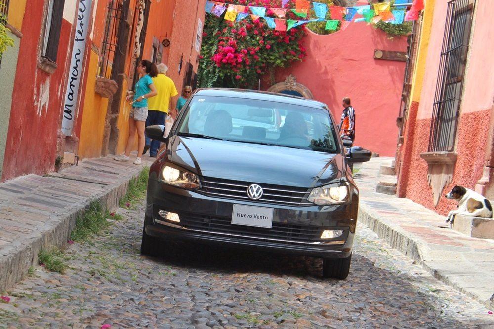 Volkswagen Vento 2016, más Jetta que nunca.