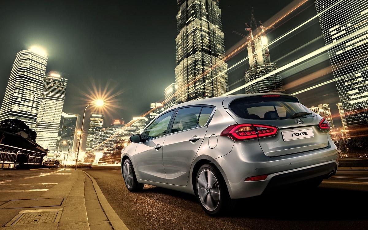 KIA Forte Hatchback llega a México en cuatro versiones