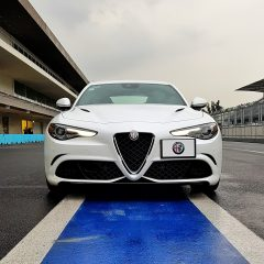 ¡Brutal! Manejamos el Alfa Romeo Giulia en la pista del Autódromo Hermanos Rodríguez