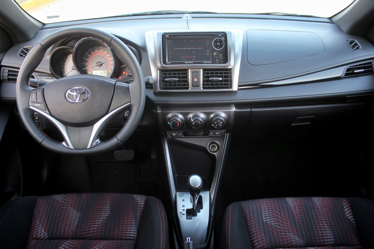toyota yaris hatchback lo probamos y ya no es el mismo de. Black Bedroom Furniture Sets. Home Design Ideas