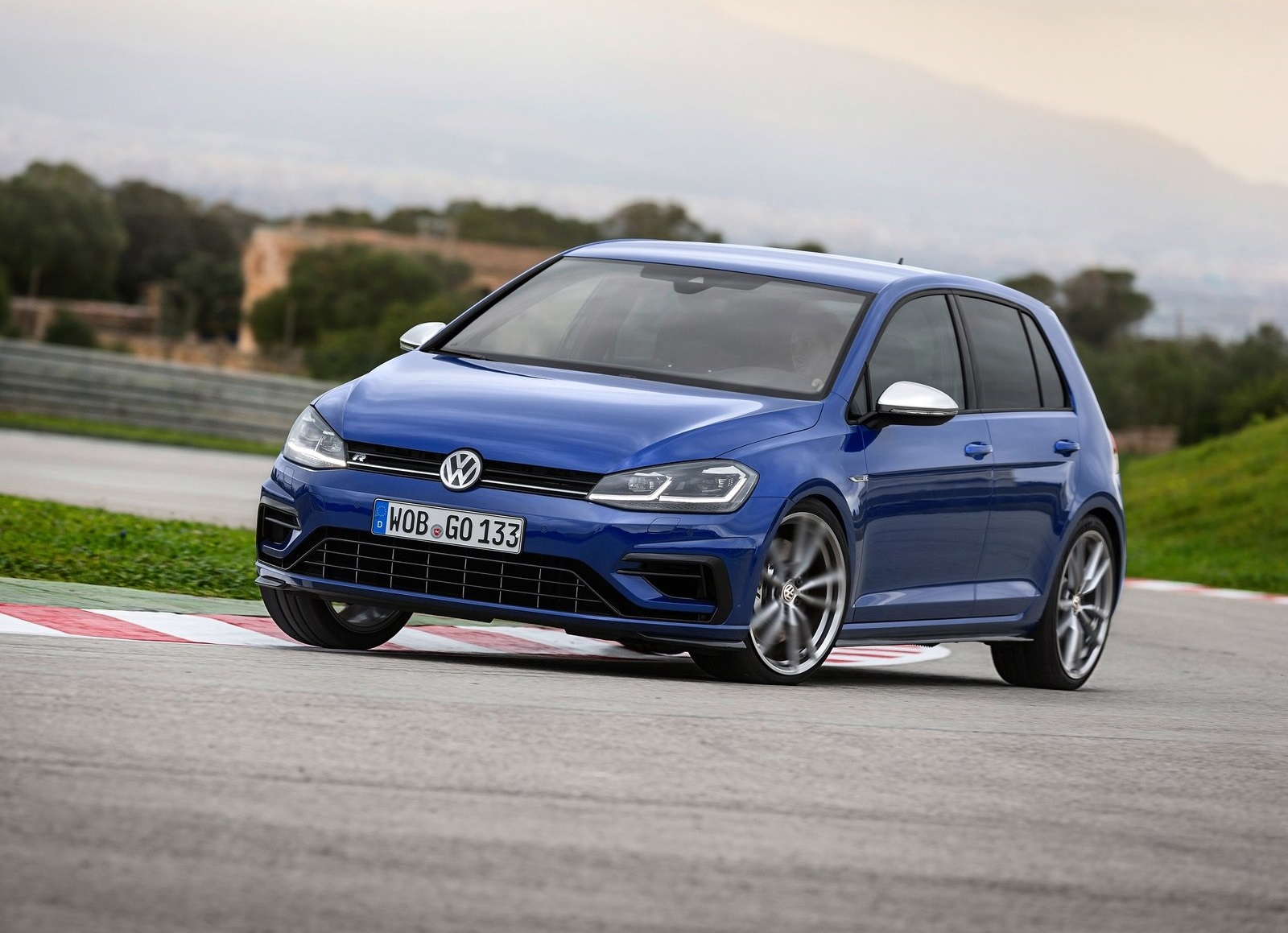 volkswagen golf r qu podemos esperar de l para m xico autos y moda m xico. Black Bedroom Furniture Sets. Home Design Ideas