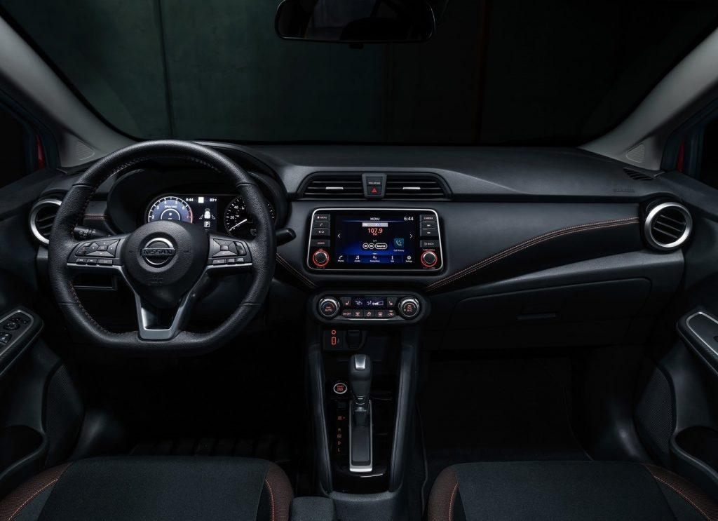 Nissan Versa 2020: precios y versiones en México – Autos y ...
